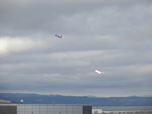 SFO dual takeoff