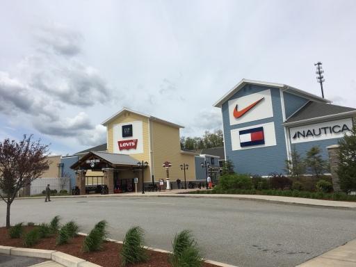 Merrimack Premium Outlet Mall